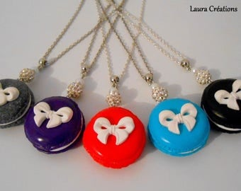 Macaroon necklace with bow are