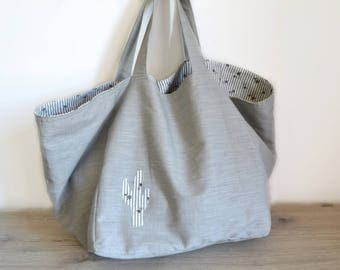 Reversible linen tote bag