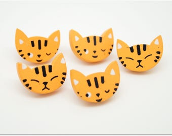 Set of 5 buttons, wood - cat decor