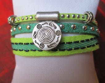 Colors of spring... this Green bracelet as the Meadow!