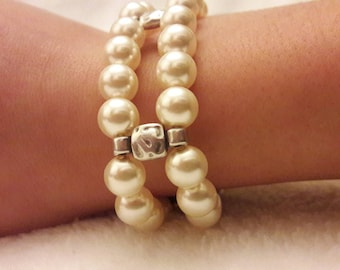Vintage... this bracelet double row of beads...
