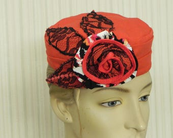 -Entirely made reserved - Hat in coral and Black Lace linen fabric