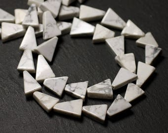 10pc - stone beads - Howlite Triangles 9-12mm - 8741140012196