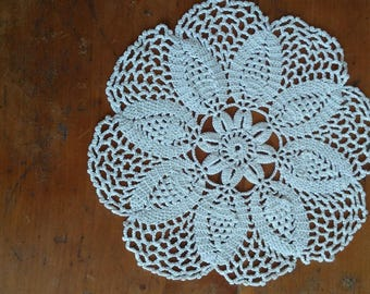 handmade 20 cm in ecru cotton lace doily