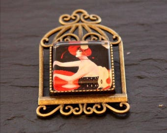 cabaret square Lady brooch