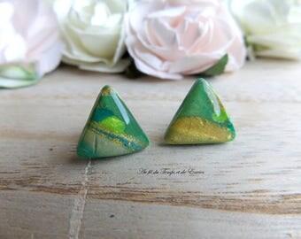 Stud earings pearl of peacock triangle