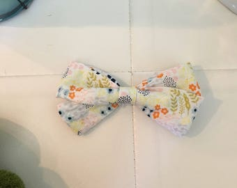 Pastel floral bow