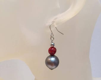 Red and grey Pearl Earrings pierced