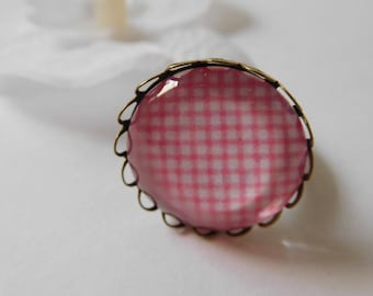 Ring cabochon 20 mm adjustable pink and white gingham