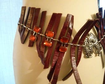 Belt metal chain with a faux Lanier