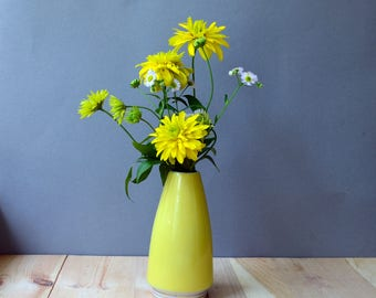Ceramic single flower vase, decorative bud minimalist vase, colorful collectible vase, table decor hostess mother's housewarming gift