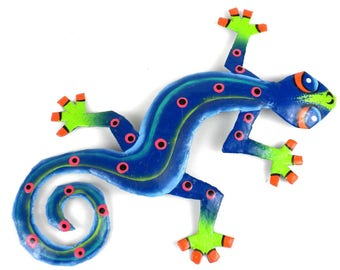 Recycled Metal Hanging Blue Green Gecko