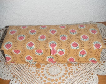 Pencil box with cotton fabric lining