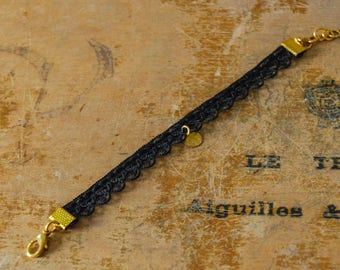 Lace bracelet black and gold