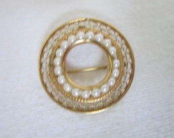 Beautiful Gold Filled & Real Pearl Designer Circle Brooch