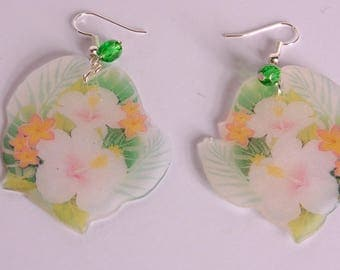 Exotic flowers earrings, white and yellow/pink