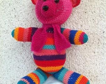 Ourson multicolore réalisé en coton