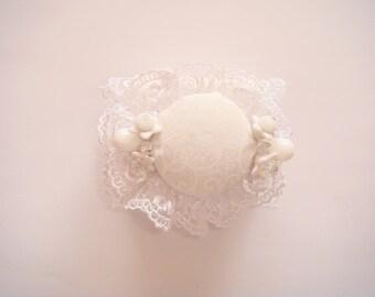 "White ""lola"" fabric Cuff Bracelet"