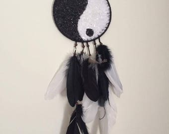 Crystal ying and yang hanger