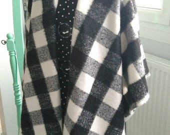 Poncho cape shawl black and white plaid scarf