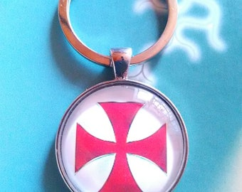 A pretty Keychain with a glass cabochon 30 mm Templar cross
