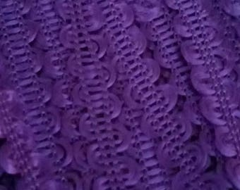 1 meter of SERPENTINE 8 mm wide purple RICKRACK trim