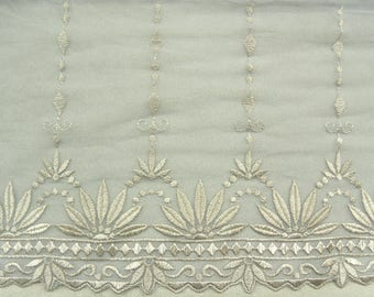 LACE of CALAIS - 20 cm - honey - embroidered on grey tulle