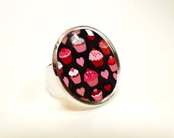Cupcake cabochon ring
