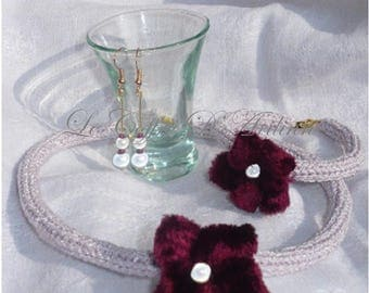 Set of white iridescent 3 PCs knitting and velvet flower