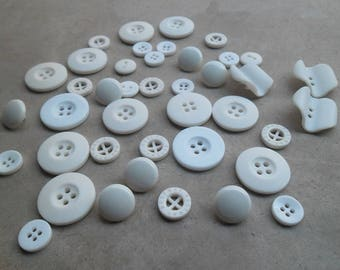 40 buttons vintage plastic white 12 mm and 23 mm