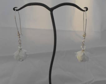 Flower Earrings white glass and 6 mm faceted rock crystal
