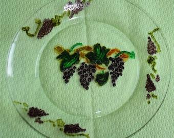Glass grapes pattern plate