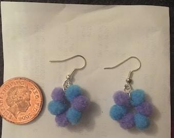 Pompom flower earrings