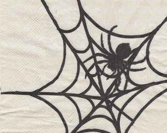 679 spider in its Web pattern 4 X 1 LUNCH size paper towel