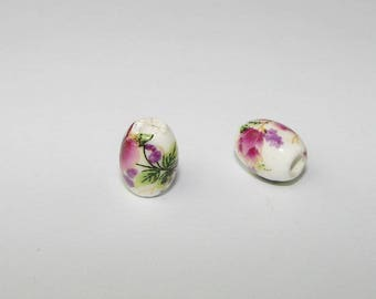 Set of 2 ceramic beads oval white and Burgundy flower.