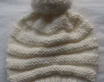 White baby bonnet 6-12 months