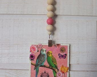 Hanging picture with wooden beads (Pink)