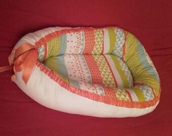 U01 - Babynest nest baby or crib multicolored geometric reducer