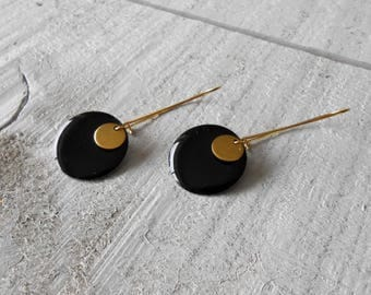 Sleeper earring, sequin black enamel and gold coin