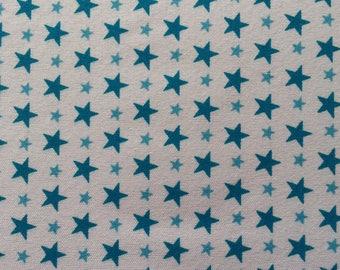 feuille de tissu autocollant  à motif etoiles dans les tons bleu et blanc   21*14.5 cm