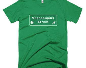Clever Shenanigans Street sign T-Shirt st Patricks Day parade pub crawl leprechauns beer pint wee bit funny irish ireland