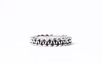 Klara – Antiqued Silver Ring