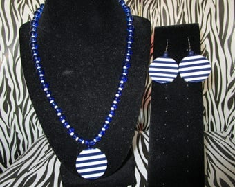 Blue & White Glass Beaded Necklace w/Earrings Set
