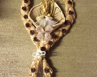 RAFFIA DECORATION TO HANG