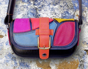 Small ethnic shoulder bag in inner tube recycled and multicolored.