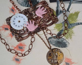 Lost time (necklace)