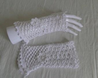 GLOVE hook made of 100% Mercerized cotton yarn