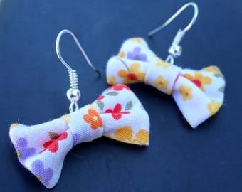 Bow earrings with flowers