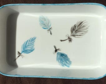Small porcelain pattern dish feathers