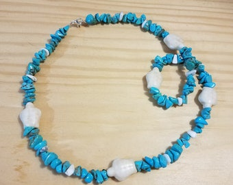 Turquoise chip necklace with turtle beads